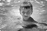 swimming-bw